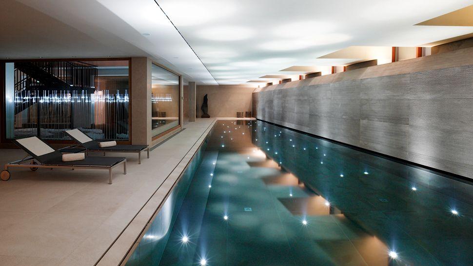 007011-11-indoor-pool