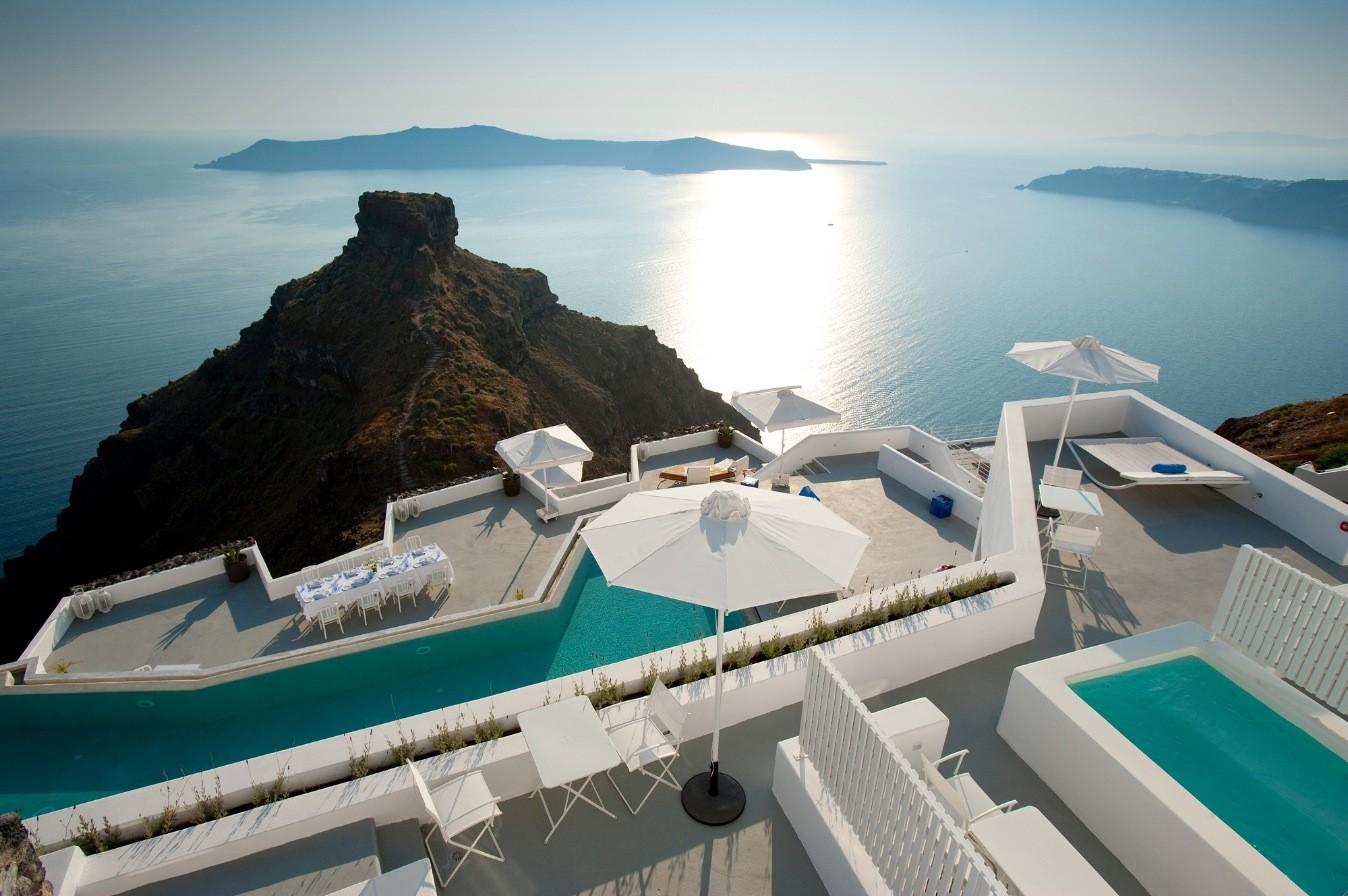 neat-design-contemporary-grace-santorini-hotel-outdoor-swimming-pool